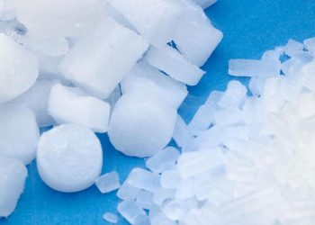 Dry Ice Pellets - Solid carbon Dioxide used in Dry Ice Blasting Cryogenic Cleaning in Irish Industries with Polar IceTech